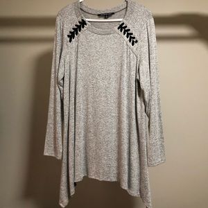 NWOT Gray flowy tunic with lace up shoulder detail